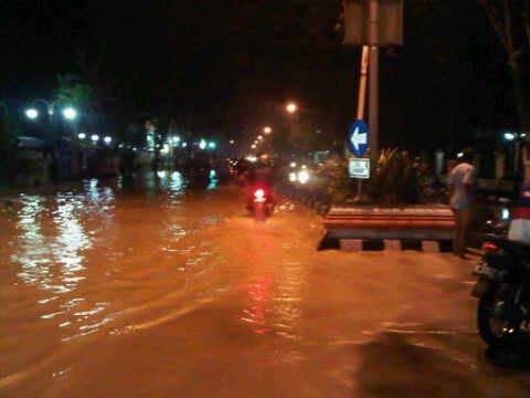 banjir disekitar simpanglima purwodadi