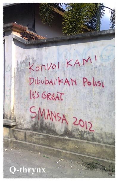 tulisan vandalisme yang lucu