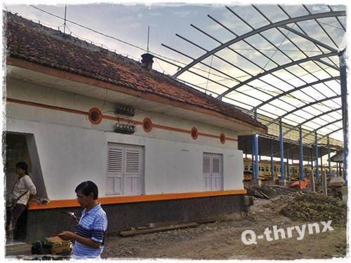 gedung lama bagian barat + proyek stasiun ngrombo